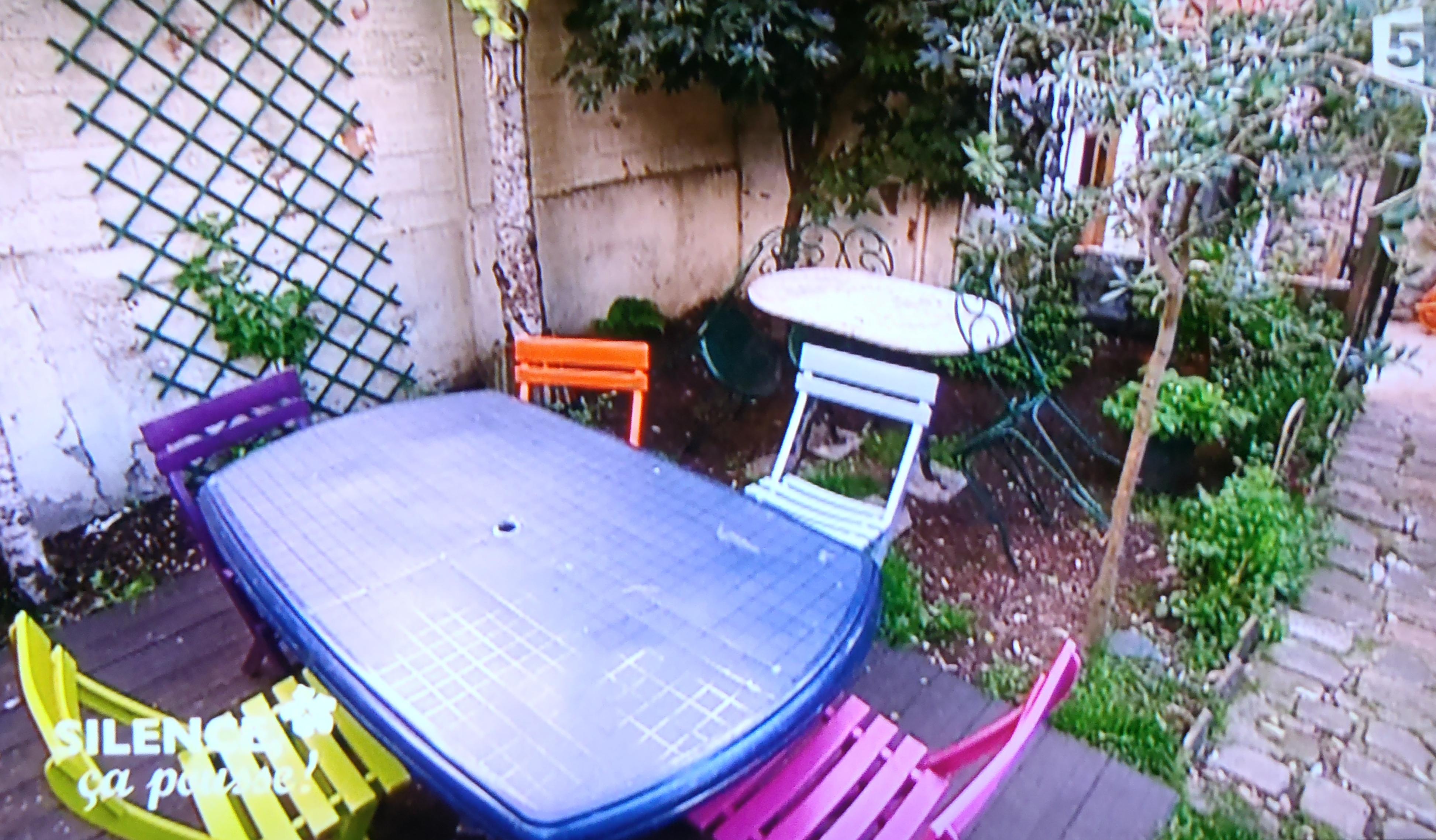 Structurer les espaces d un jardin pavillonnaire parisien for Structurer un jardin