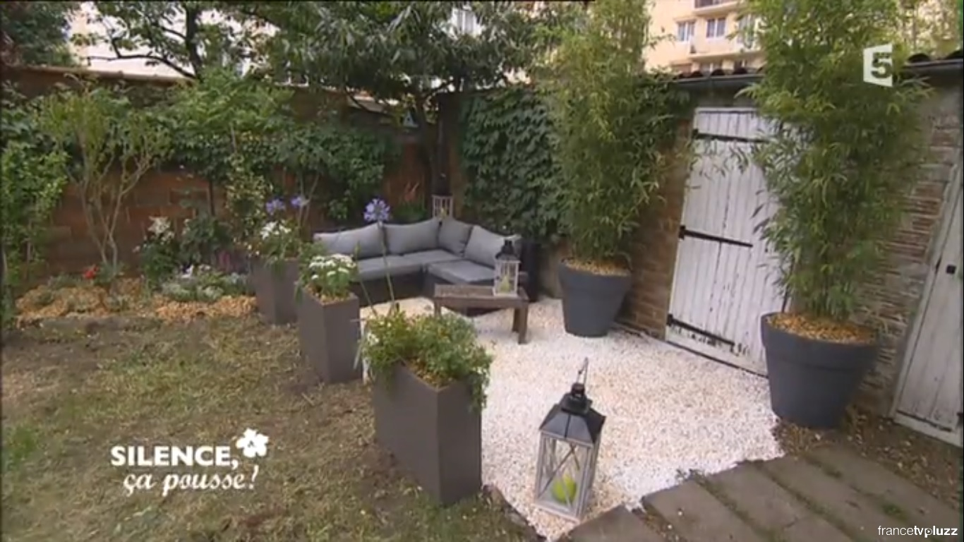 Comment am nager un salon de jardin contemporain et intimiste pas de panique d cryptage de l for Amenagement de salon de jardin