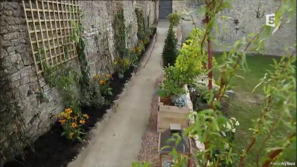 comment habiller un vieux mur de jardin en pierre pas de panique d cryptage de l 39 mission. Black Bedroom Furniture Sets. Home Design Ideas