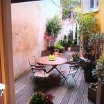 Un patio chic, contemporain et ombragé à Lyon