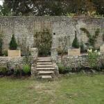 comment habiller un vieux mur de jardin en pierre